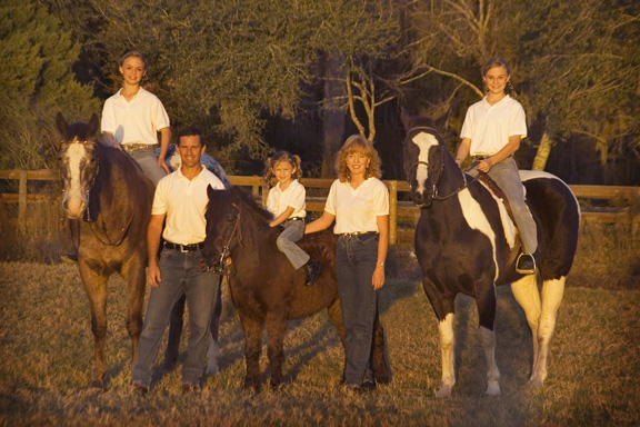 family picture with horses in woods, location photo with kids and horses, phototgrapher to come to our ranch